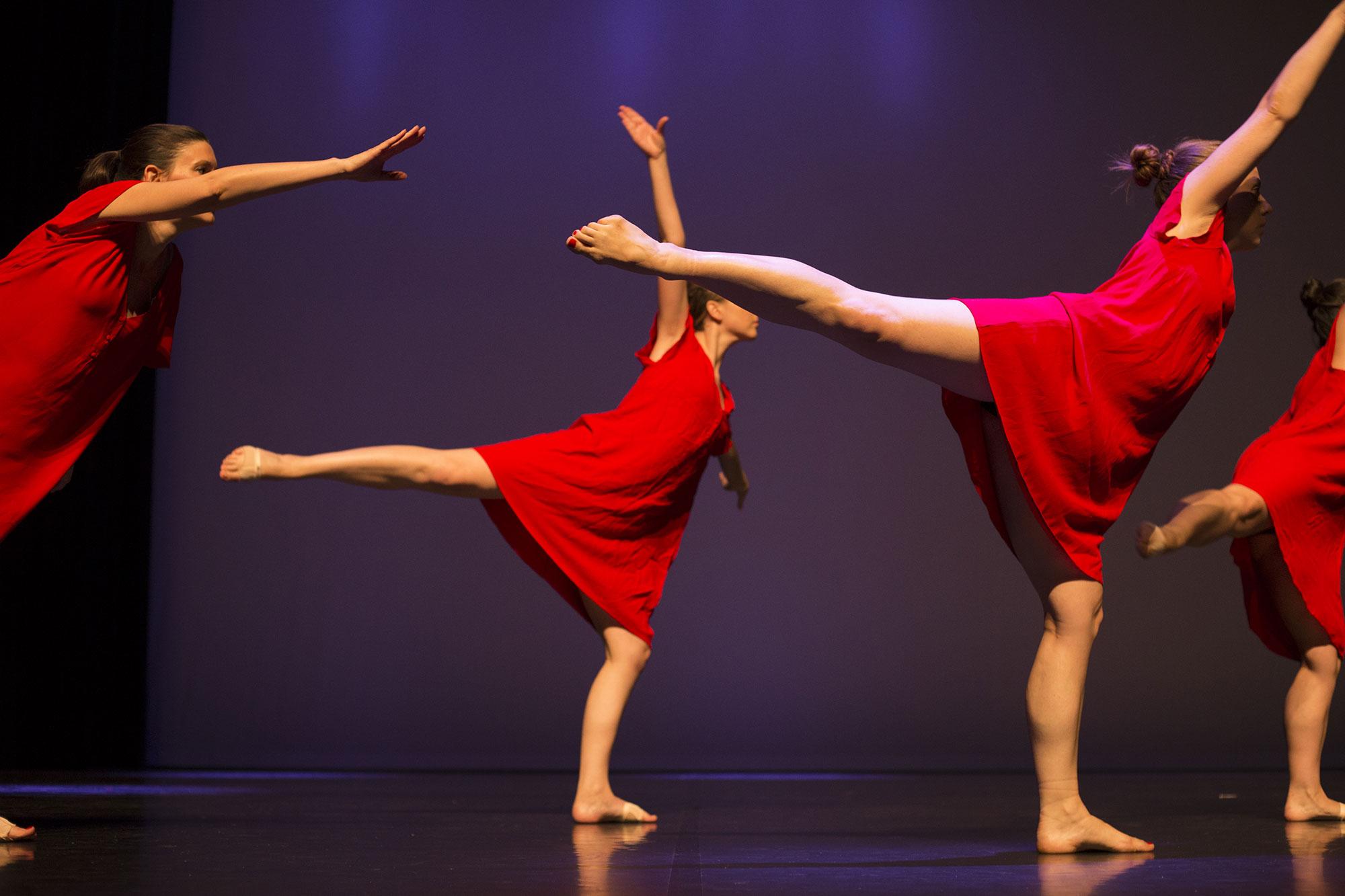 http://danse-modernjazz.com/wp-content/uploads/2020/03/danse-montrouge_030a.jpg