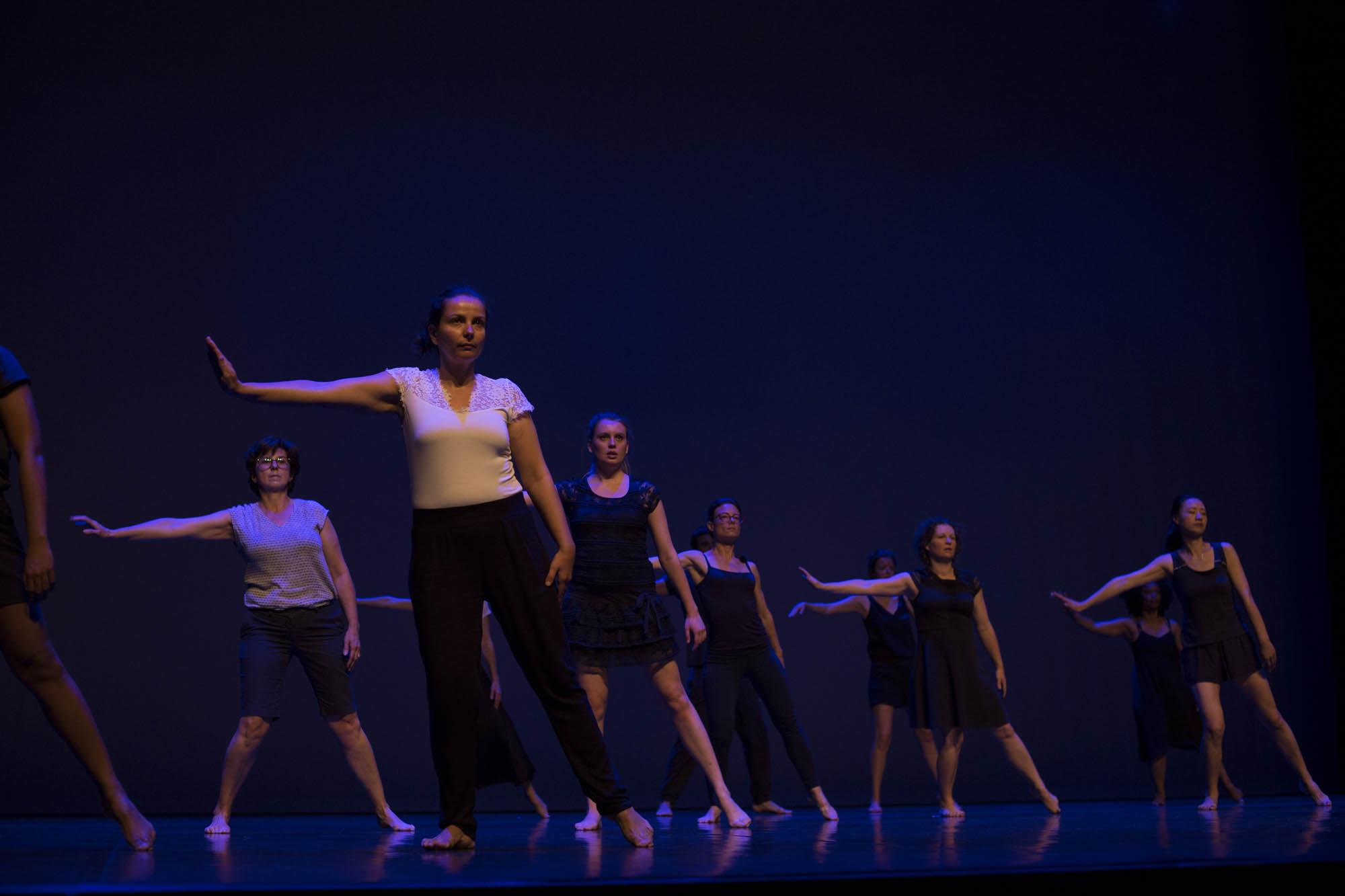 http://danse-modernjazz.com/wp-content/uploads/2020/03/danse-montrouge_039.jpg